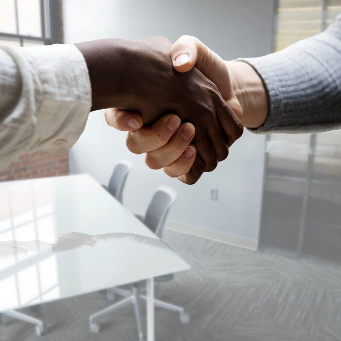 HR Certification, HR, shaking hands